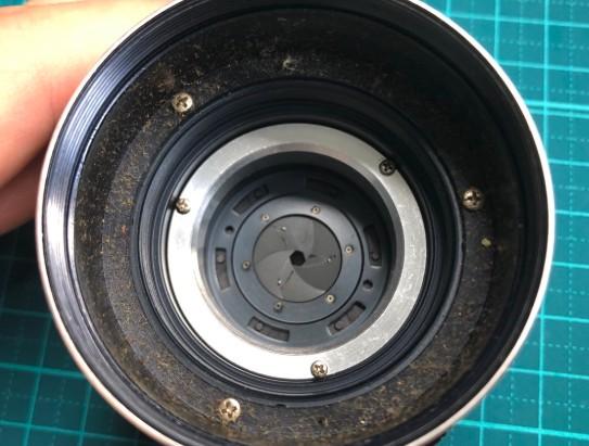 MINOLTA MC W.ROKKOR-HG 35mm F2.8 絞り羽根に油染みと粘りがあった