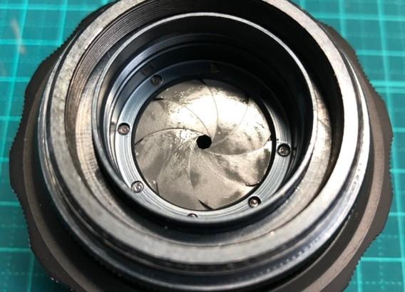 ロシア製 ヘリオス HELIOS-44-2 58mm F2 M42 絞り羽根の油染みあり