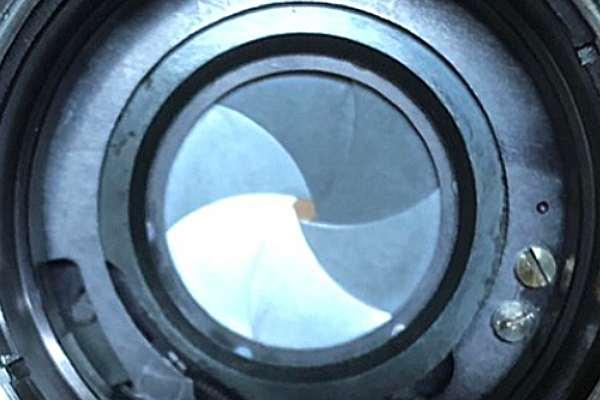 カールツァイス Carl Zeiss フレクトゴン Flektogon Jena DDR auto 白MC 35mm F2.4 絞り羽根動作改善