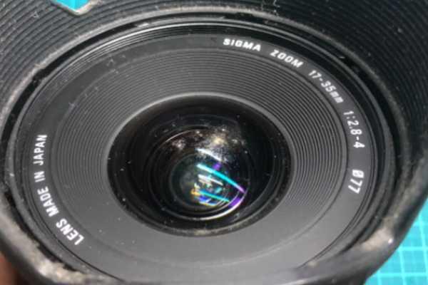シグマ SIGMA 17-35mm F2.8-4 DG HSM for CANON のカビありレンズを買取りました